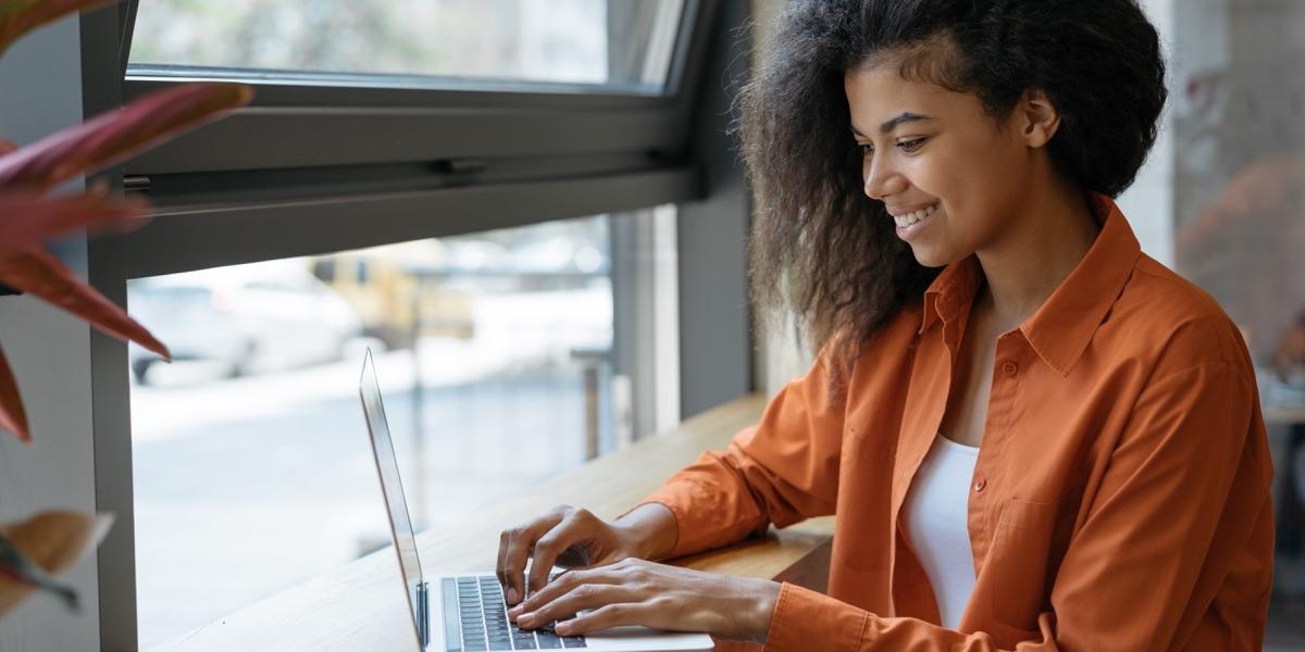 A new UX designer, applying for jobs online